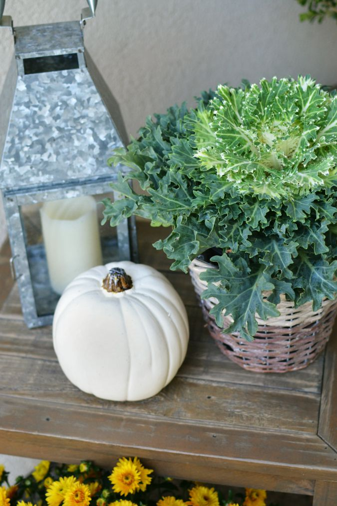simple fall front porch decorations atthepicketfence