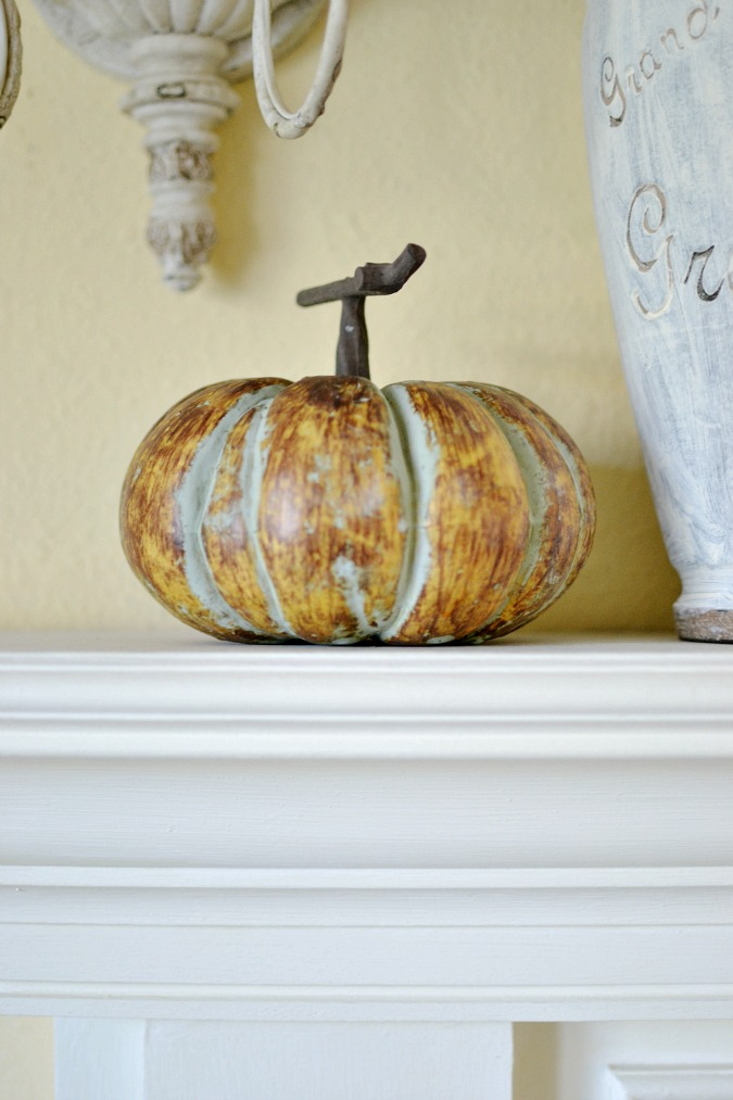 faux pumpkin atthepicketfence.com