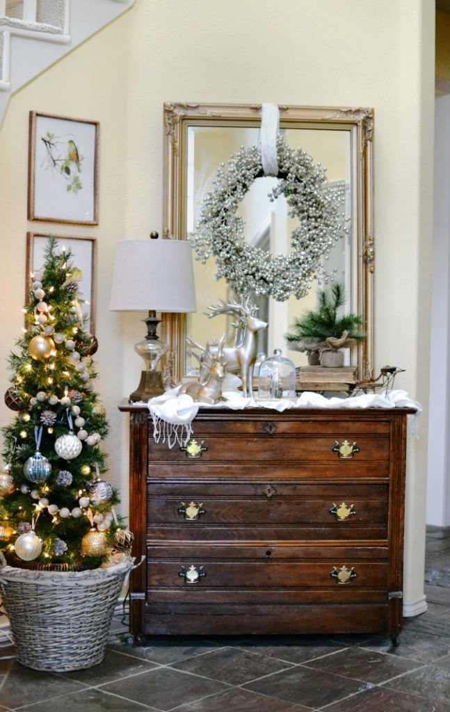 Glam Ish Christmas Entry Decor At The Picket Fence