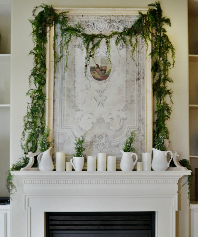 Simple Christmas mantel decorating idea