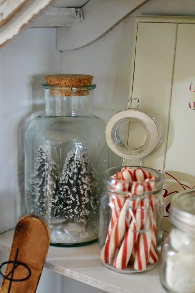 winter cabinet decor