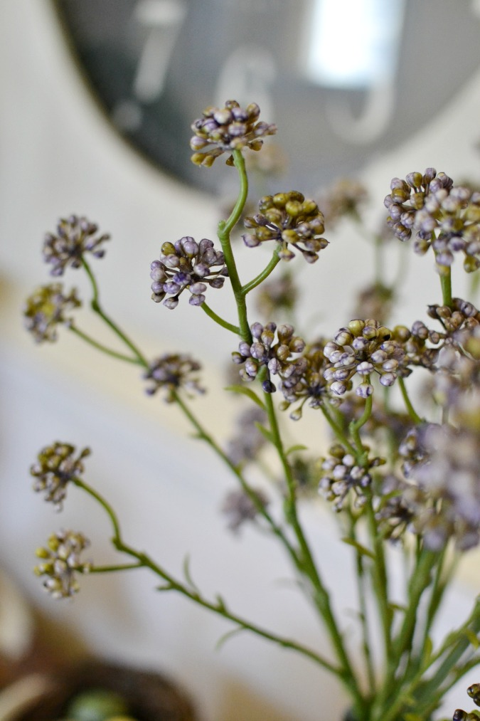 Faux lilac blooms