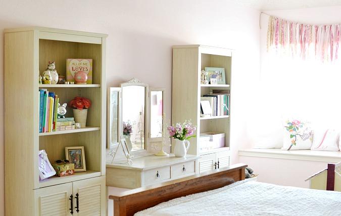 Vintage inspired girl's bedroom