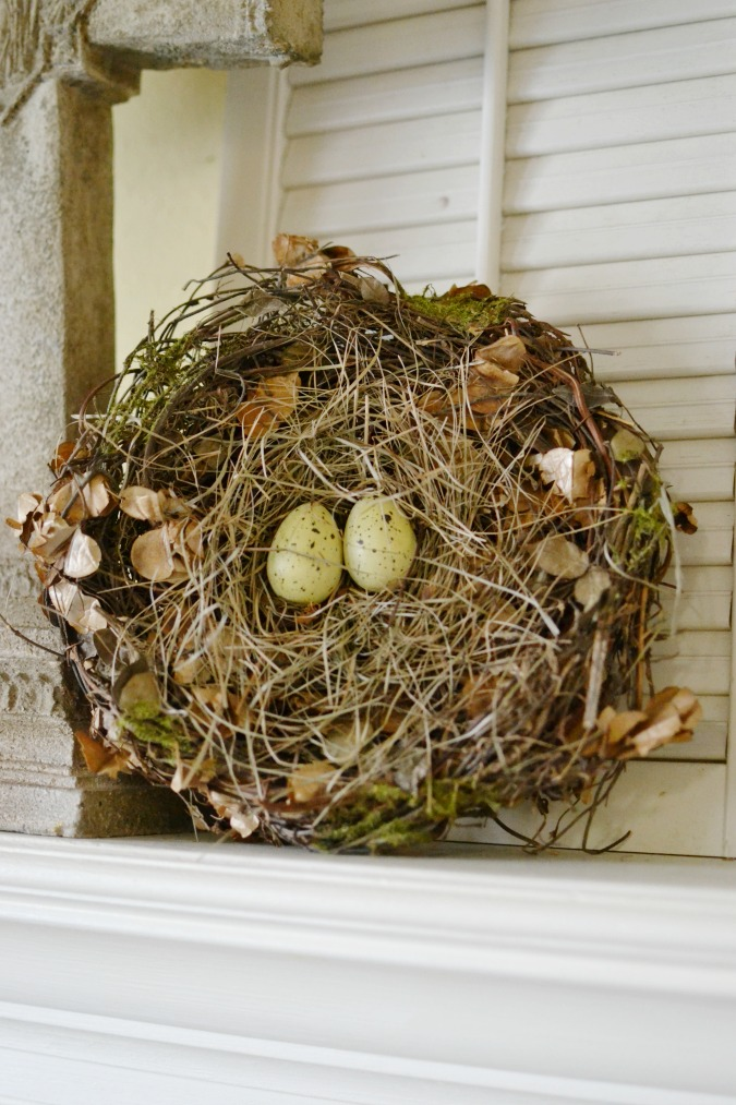 Birds nest Easter mantel decor atthepicketfence.com