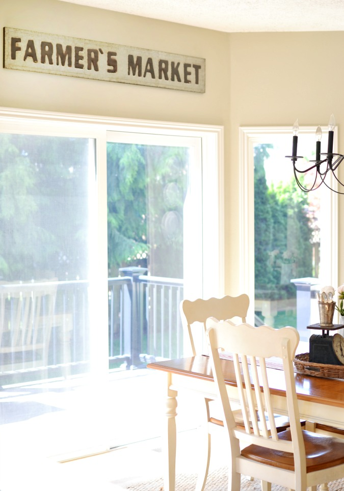 farmers market metal sign in breakfast nook