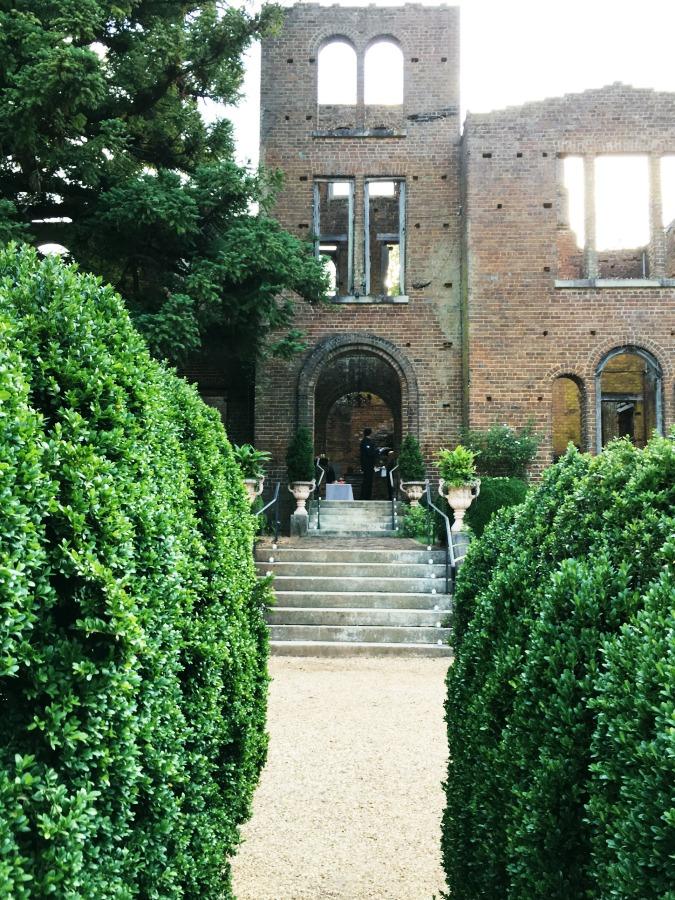 Barnsley Mansion Ruins