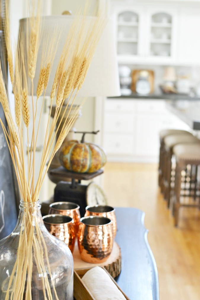 Fall side table decorations atthepicketfence.com