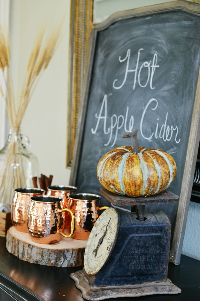 Hot Apple Cider station atthepicketfence.com