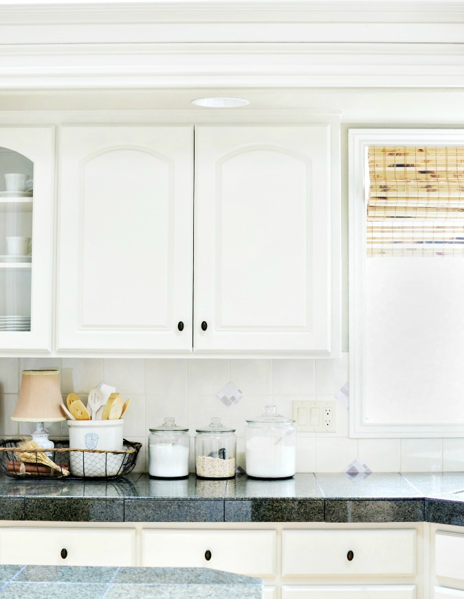 White french country style kitchen atthepicketfence.com
