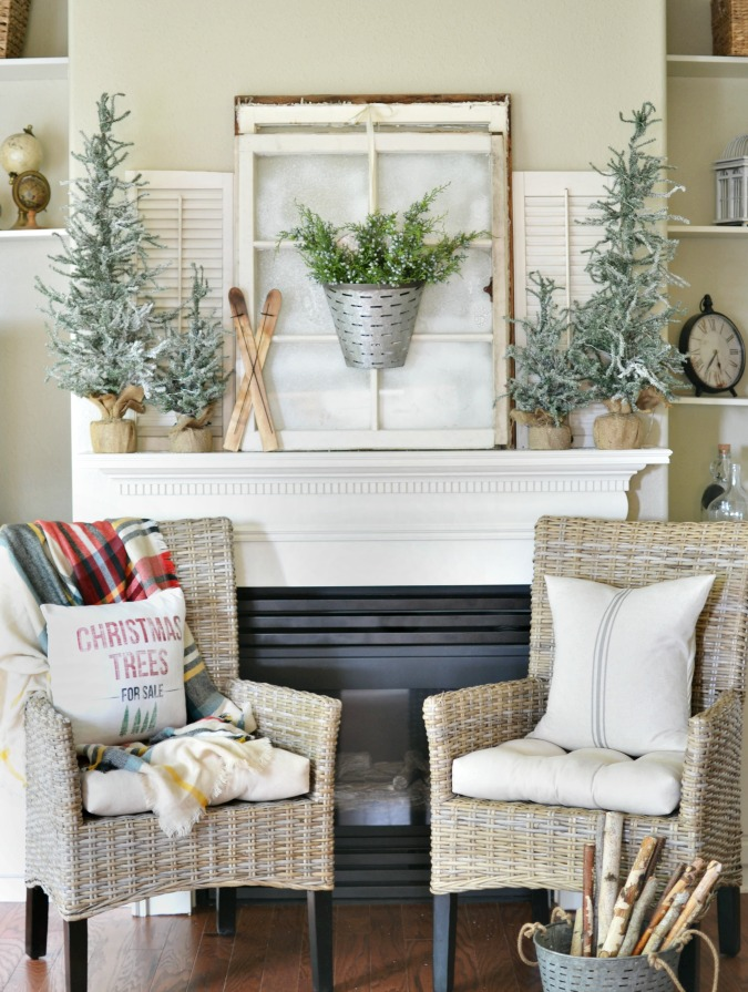 A Winter Inspired Christmas Mantel