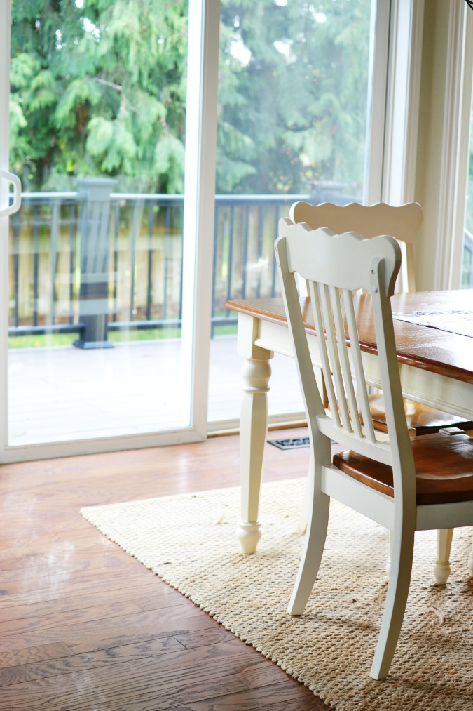 Hardwood floors in breakfast nook