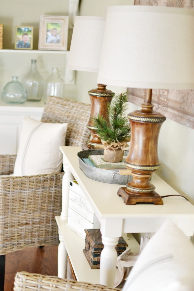 Winter farmhouse decorating ideas atthepicketfence.com