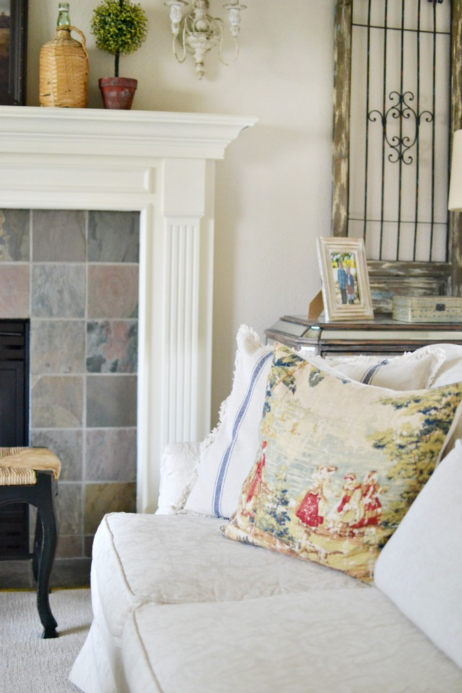 Newly Painted Living Room Reveal At The Picket Fence